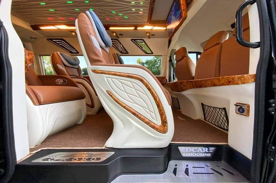 Dcar Solati Limousine 12 chỗ cho thuê đi Tà Xùa